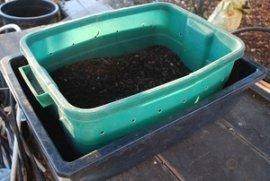Simple Plastic Tote Worm Composting Bin