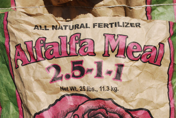 define fertilizers and its types