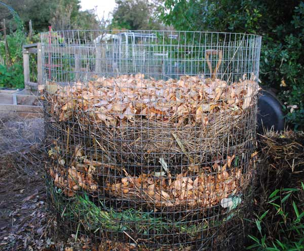 Build a Compost Pile How to Compost Compost How to Make
