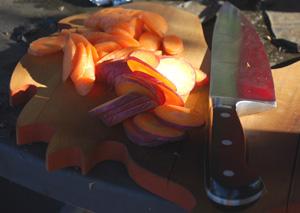 Harvesting Carrots—'Yaya' and 'Purple Dragon'